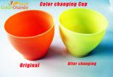 플라스틱 컵을 바꾸는 열 과민한 색깔
