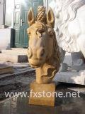 새겨진 백색 대리석 말의 헤드 동상