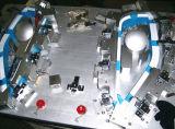 自動車前部ライトがあるように据え付け品を確認する自動車作業ジグは型のツールを停止する