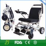 Cadeira de rodas de dobramento Ultralight e Lite incapacitada da liga nova do magnésio da energia eléctrica de lítio da bateria