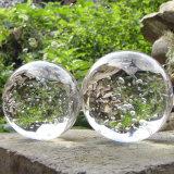 透過ガラス玉のゆとりK9のクリスタル・ボール