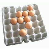 Intercambiando el papel usado que recicla la bandeja del huevo que hace la máquina (ET6000)