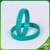 Wristband del silicone di marchio di Debossed di disegno di modo per gli uomini