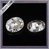 Cerca de la piedra oval blanca de Moissanite de la dimensión de una variable para el anillo de bodas