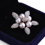 Brooch dei monili di modo del fiore della perla del Rhinestone dei cinque petali