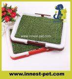 屋内犬のマットの草の洗面所、ペット小便の取るに足らない皿のパッド