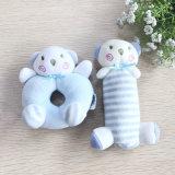 かわいいU様式のプラシ天動物の枕