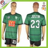 Uniformes De Futbol Soccer細い適合のフットボールのワイシャツメーカーのタイの品質の縞のサッカージャージー