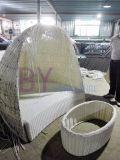 이탈리아 가구 유일한 디자인에 의하여 구부려지는 백색 등나무 침대 겸용 소파