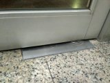 Instale The Glass Door Use Floor Spring