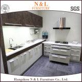 L armadio da cucina moderno su ordine di MFC della mobilia della casa di stile di figura