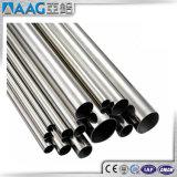El polvo cubrió el tubo redondo de aluminio de 15m m