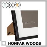 デスクトップの装飾のための木映像の写真フレームを立てる基本原則の黒