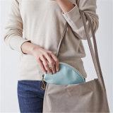 De nouvelles arrivent portable en nylon imperméable femmes boulette de sacs de cosmétiques