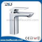 Латунный квадратный новый Faucet смесителя ванны раковины ванной комнаты водяной знак крома