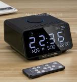 デスクトップの目覚し時計のドッキング端末のスピーカーUSBの充満ポート