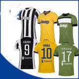 Casa 1718 di Juventus e secondo pullover verde assente di calcio