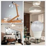 La luz E27 7W del maíz del LED refresca la lámpara de plata blanca del bulbo de la carrocería LED del color