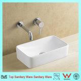 La porcelaine sanitaire au cours de compteur du bassin de lavage