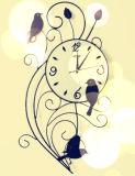 金属の技術の永続的な鳥が付いている装飾的な柱時計