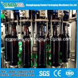 Máquina de engarrafamento do animal de estimação para a planta de enchimento da bebida Carbonated