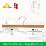 De houten Hangers van de Broek & van de Rok met de Haak van het Metaal