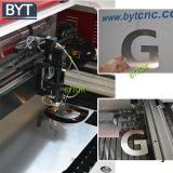 Bytcncは木びき台に建築モデルレーザーの打抜き機をする