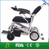 Peso ligero plegable el sillón de ruedas eléctrico de la batería de litio de la potencia de la aleación del magnesio del mecanismo impulsor de 4 ruedas