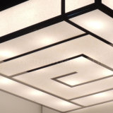 바 로비에 솔질된 스테인리스 그리고 백색 아크릴 직물 천장 램프