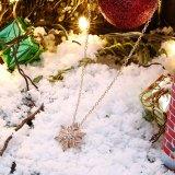 女の子のための普及したデザインローズの金の樹脂のネックレスの花の形の宝石類