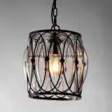 Innenhängende Glaslampe mit schwarzem Rahmen für Gaststätte
