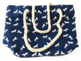 أنثى شخصية شاطئ نساء عربيّة حبل حمل نوع خيش حقيبة