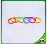 Qualitäts-SilikonWristband mit der Debossed Farbe gefüllt