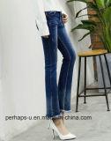 Le donne adattano il Pantyhose di qualità superiore del denim dei jeans