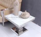 Белая мраморный таблица конца для живущий таблицы стороны комнаты
