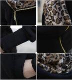 L'OEM assiste il rivestimento poco costoso 100% del poliestere del nero del cappotto delle donne (50216)