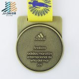Lo smalto Bronze all'ingrosso su ordinazione del pezzo fuso mette in mostra la medaglia di calcio