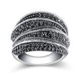 De nieuwe Verbazende Goede Ring van de Steen van het Witgoud van de Gift