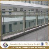 Inferriata inferiore del balcone di Inoxe delle inferriate dell'interno di vetro della scala