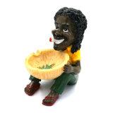 熱い販売の黒人男性の樹脂の灰皿