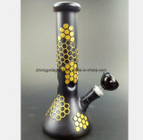 Das schwarze Rauch-Rohr hat eine gelbe Diamant-Form