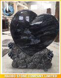 Высекать форменный Headstone сердца флористический