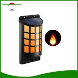 4LEDs屋外の装飾的な炎ランプPIRセンサーの太陽動力を与えられた壁ライト