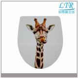 Sede di toletta di ceramica degli articoli sanitari europei con il reticolo della giraffa