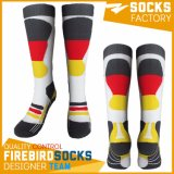 Soem-kundenspezifische Socken-neueste Entwurfs-Masse-Großverkauf-Fußball-Socken 2017 mit Qualität