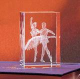 Cubo de cristal con grabado láser 3D