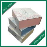 磁気閉鎖のギフト用の箱を折る習慣