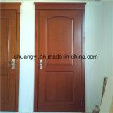 良質の純木のドア