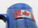 Taza de cerámica en relieve en forma de cintura