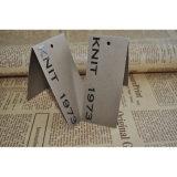 Gefaltete Papierfall-Marken mit buntem Drucken für Kleid-Kennsätze